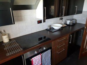 Kitchen worktop in Bedford Apartment to rent