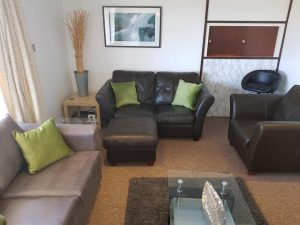 apartment to let in Bedford MK42 0AU spacious lounge